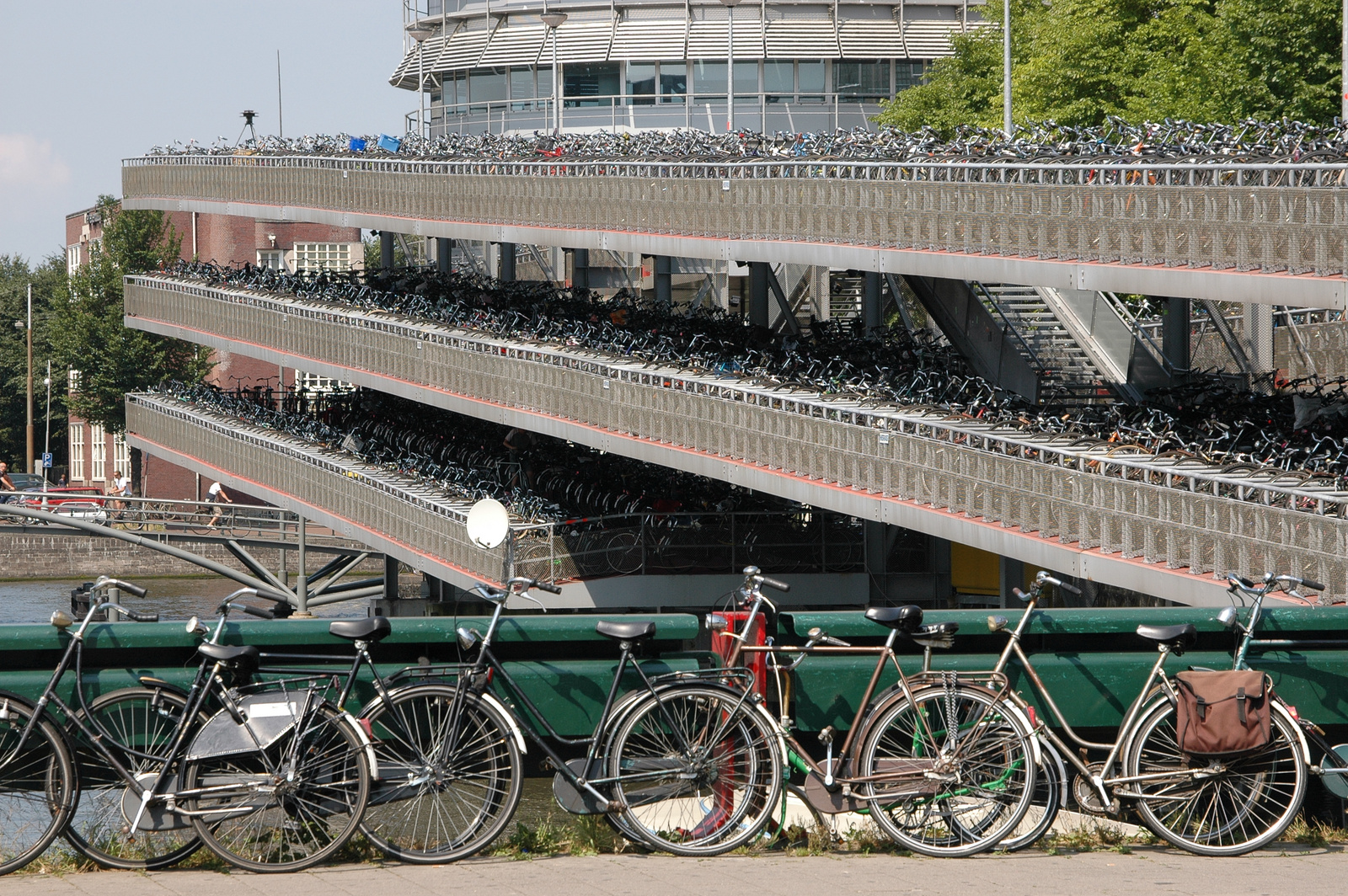 File Bicycle Parking Wikimedia Commons