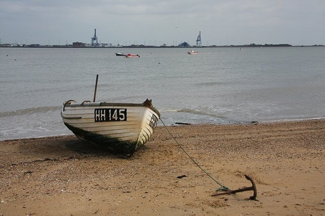 File:Boat on Harwich beach - geograph.org.uk - 749026.jpg