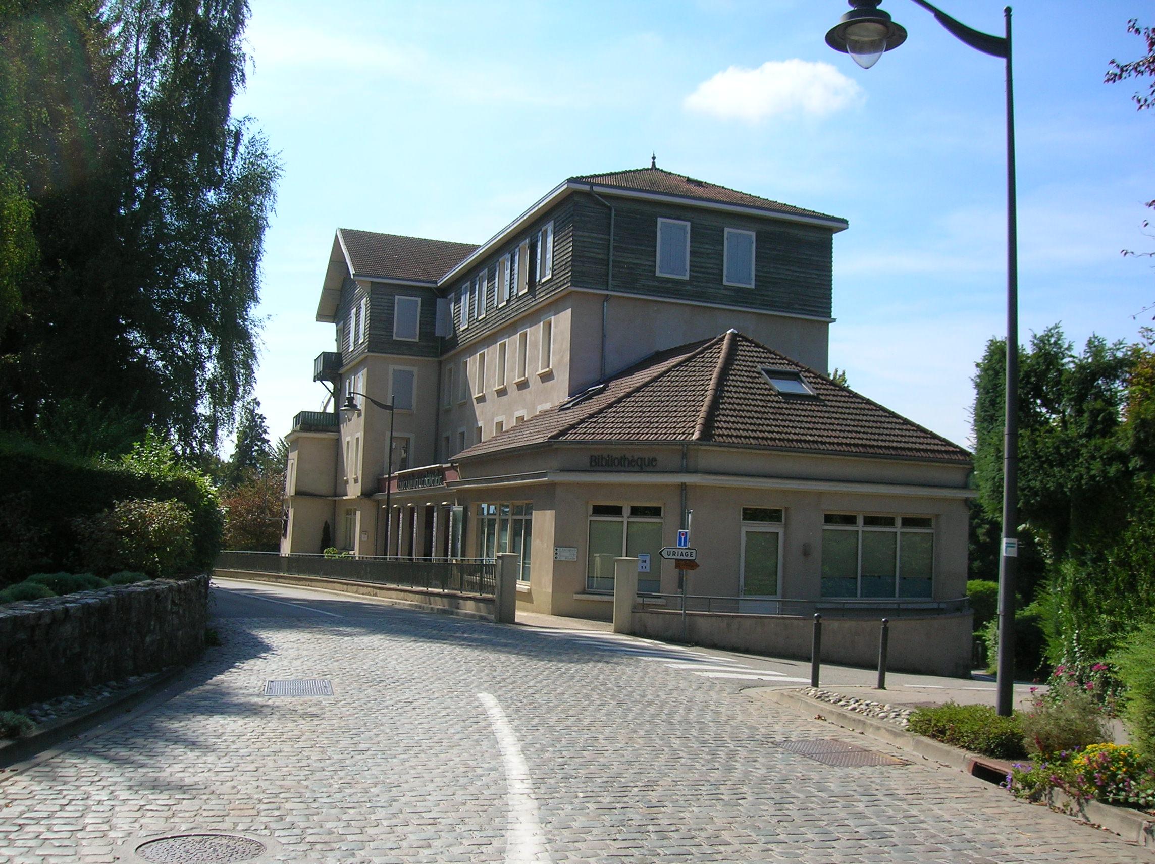 Bibliothèque Saint Martin D Uriage file:bourg st martin uriage 4 centre culturel le belvédère