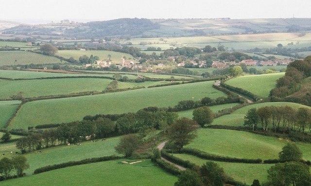 Broadwindsor, view from Pilsdon Pen - geograph.org.uk - 498571