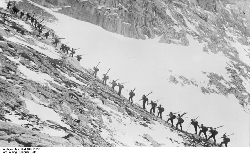 File:Bundesarchiv Bild 102-11030, Österreich, Alpenjäger im Dachsteingebiet.jpg