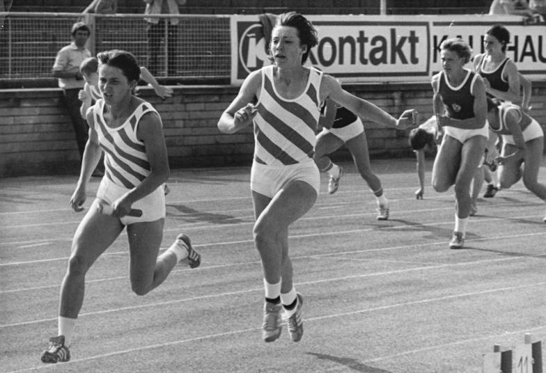 Bundesarchiv Bild 183-1982-6702-043, Sabine Rieger, Marlies Göhr.jpg