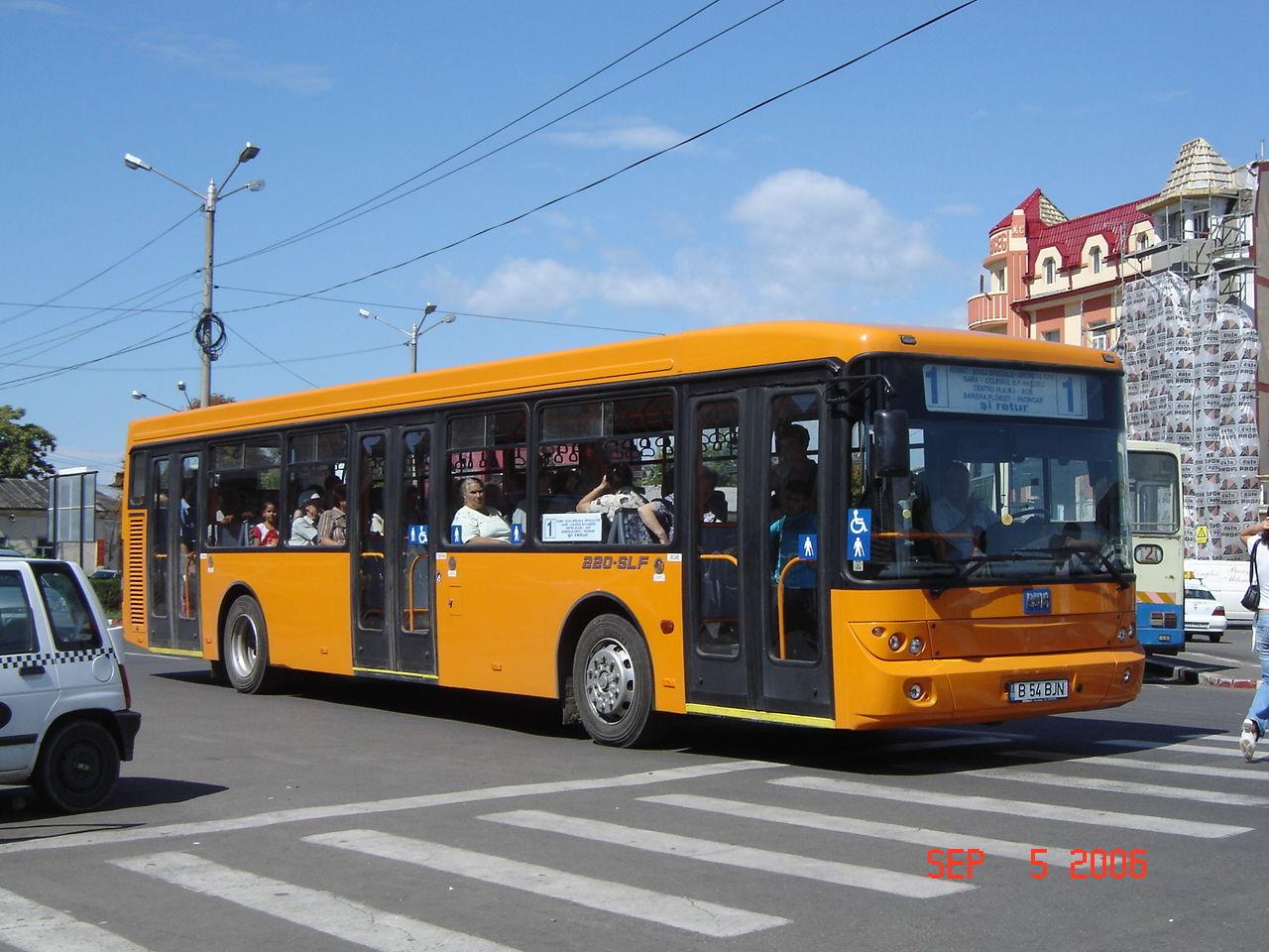 Fişier:Buzau BMC bus 3.jpg