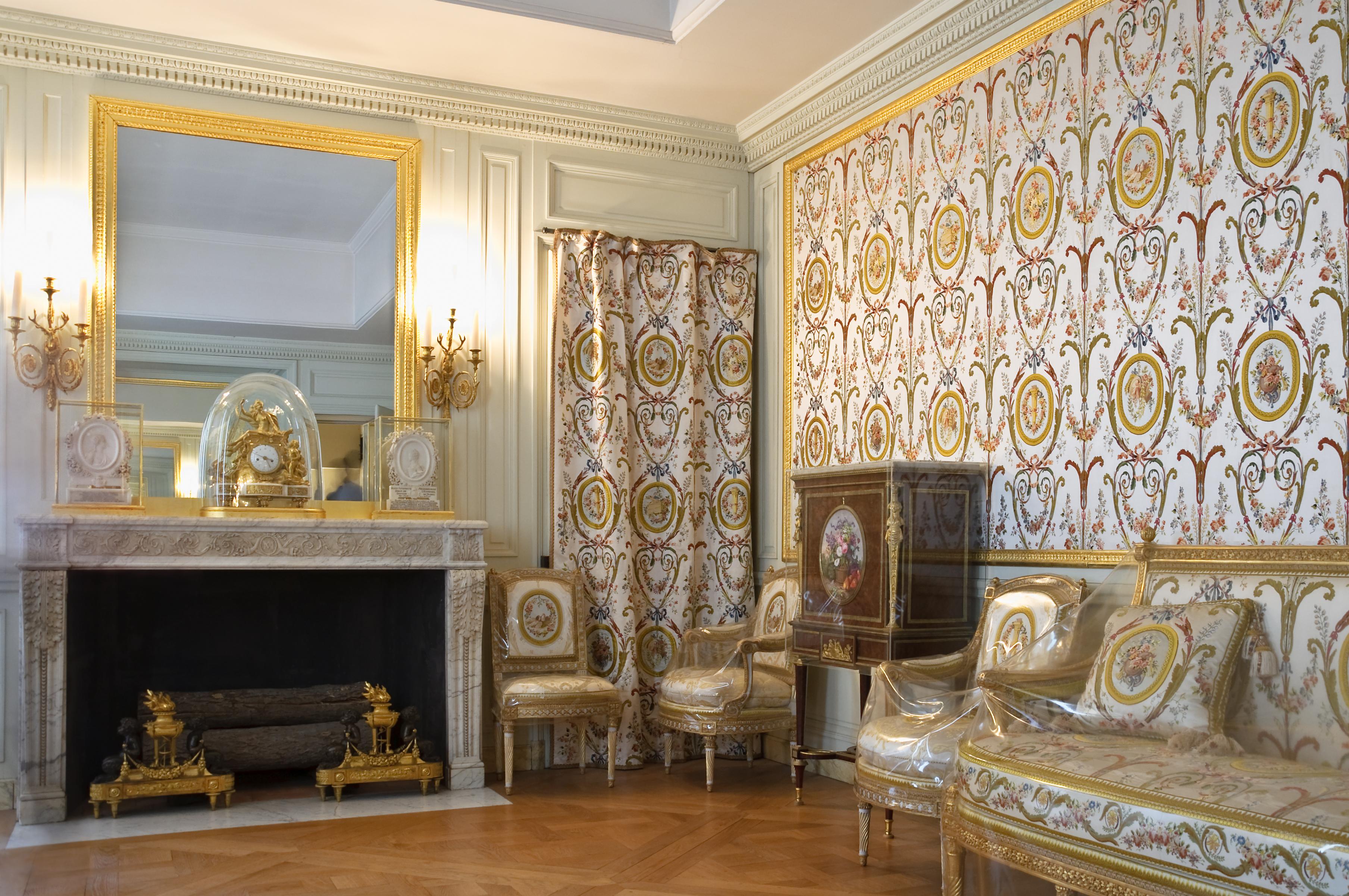 File:Chateau Versailles Cabinets Interieurs De La Reine Cabinet Du  Billard.jpg