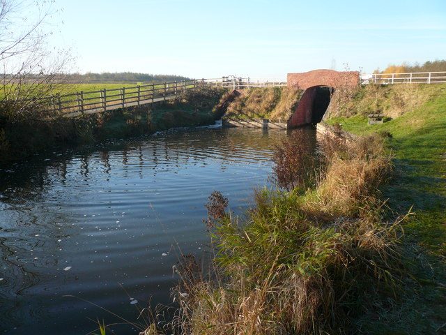 Chesterfield Canal Bridge - geograph.org.uk - 613466
