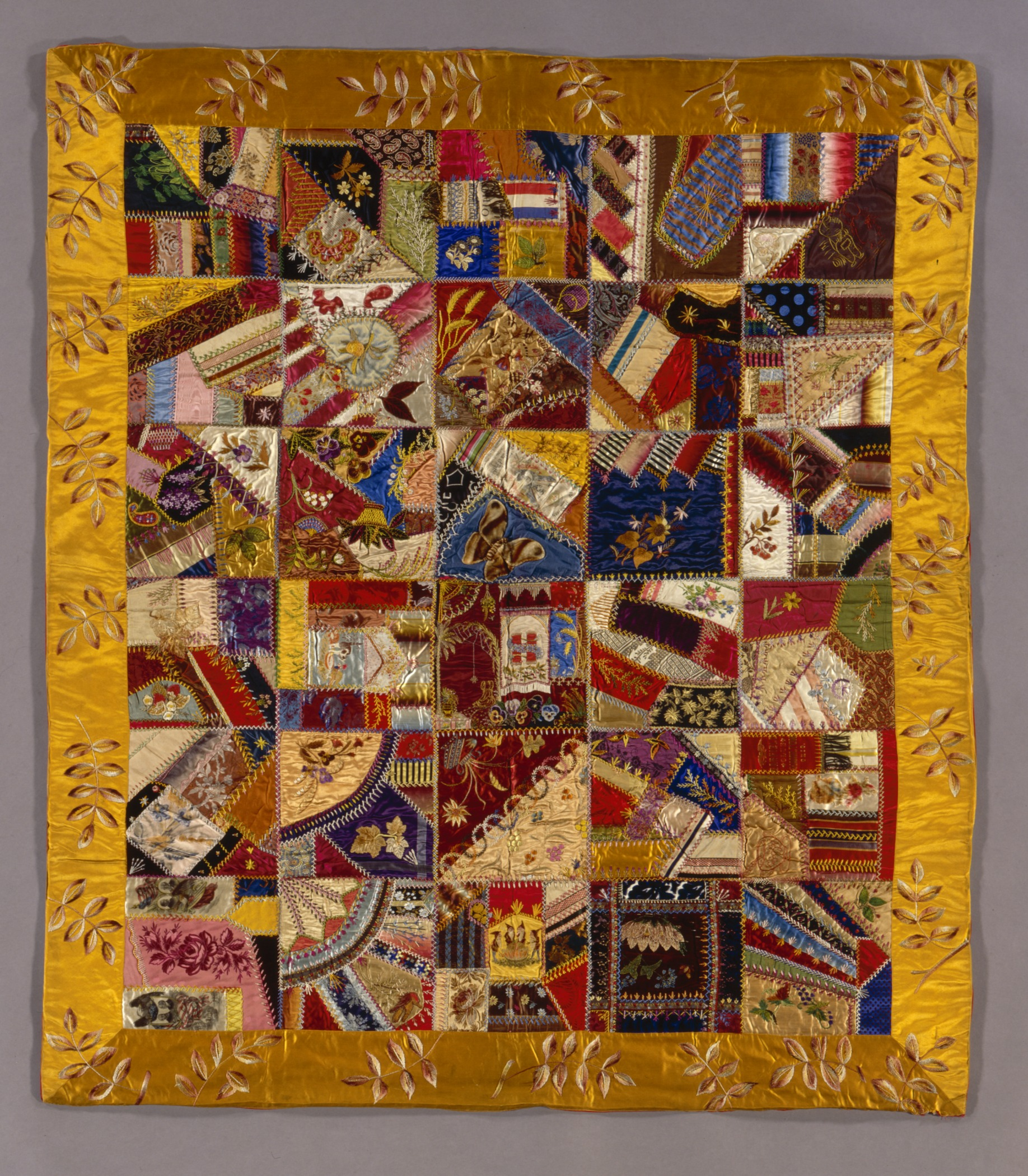File:Crazy Quilt LACMA M.79.239.1.jpg - Wikimedia Commons : history of crazy quilts - Adamdwight.com
