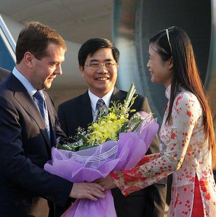File:Dmitry Medvedev in Vietnam 30 October 2010-3.jpeg