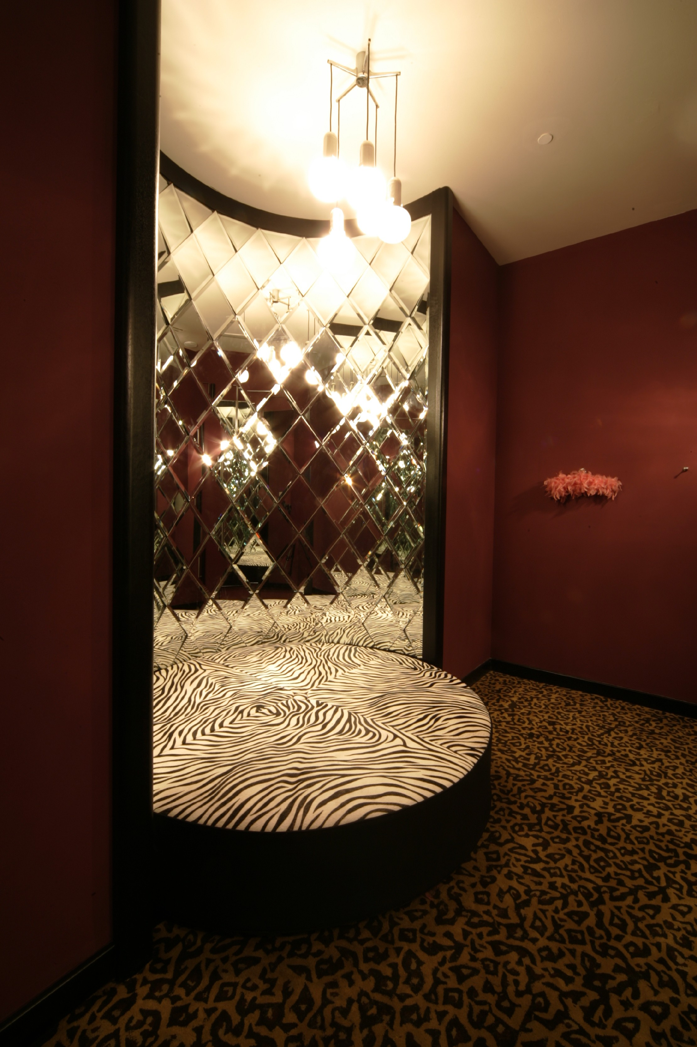 100 fitting room design olaf hussein store has a modernism
