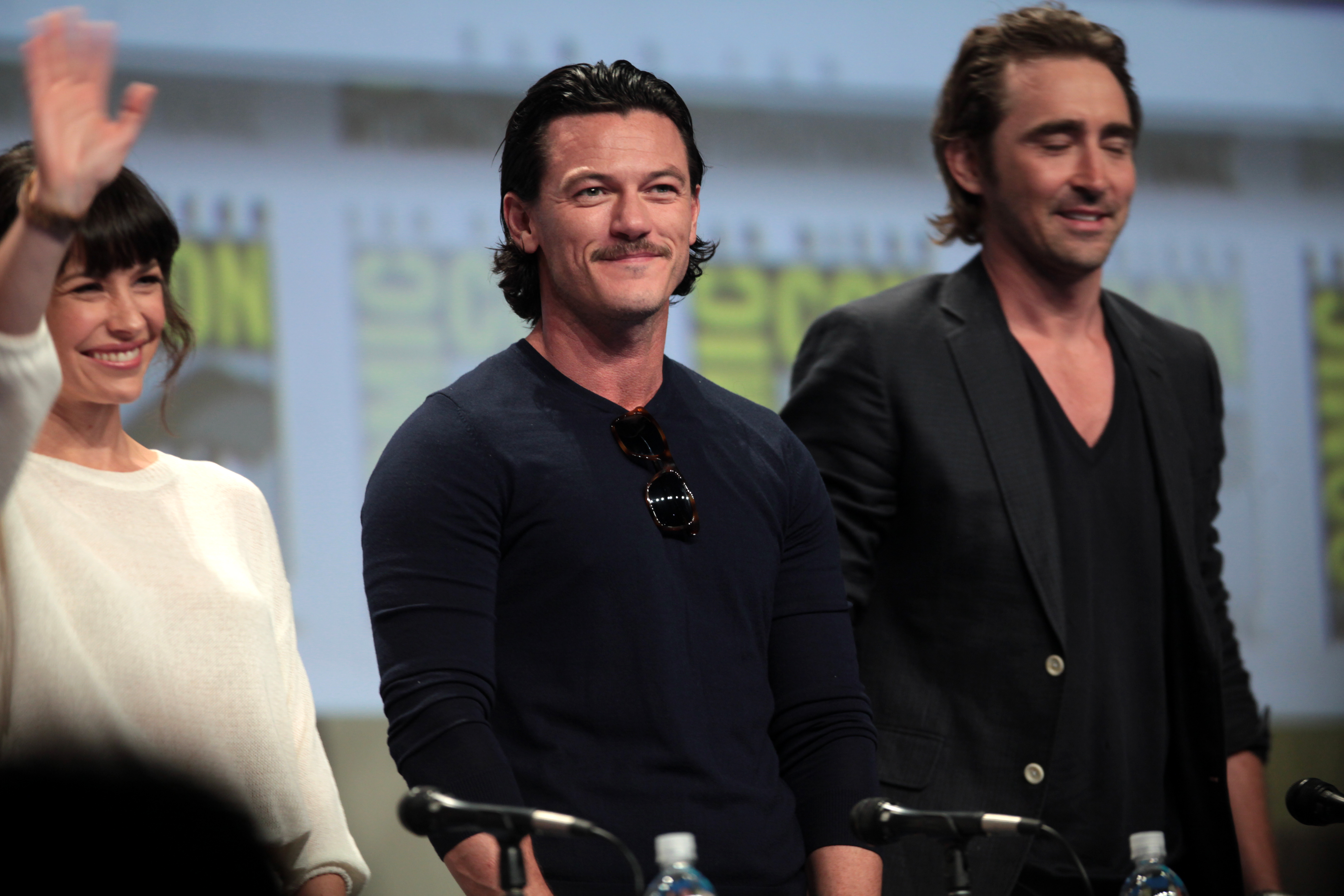 are lee pace and evangeline lilly dating Welcome to lee pace network, your most up-to-date fansite resource on the talented actor  desolation of smaug movie still featuring lee pace and evangeline lilly.