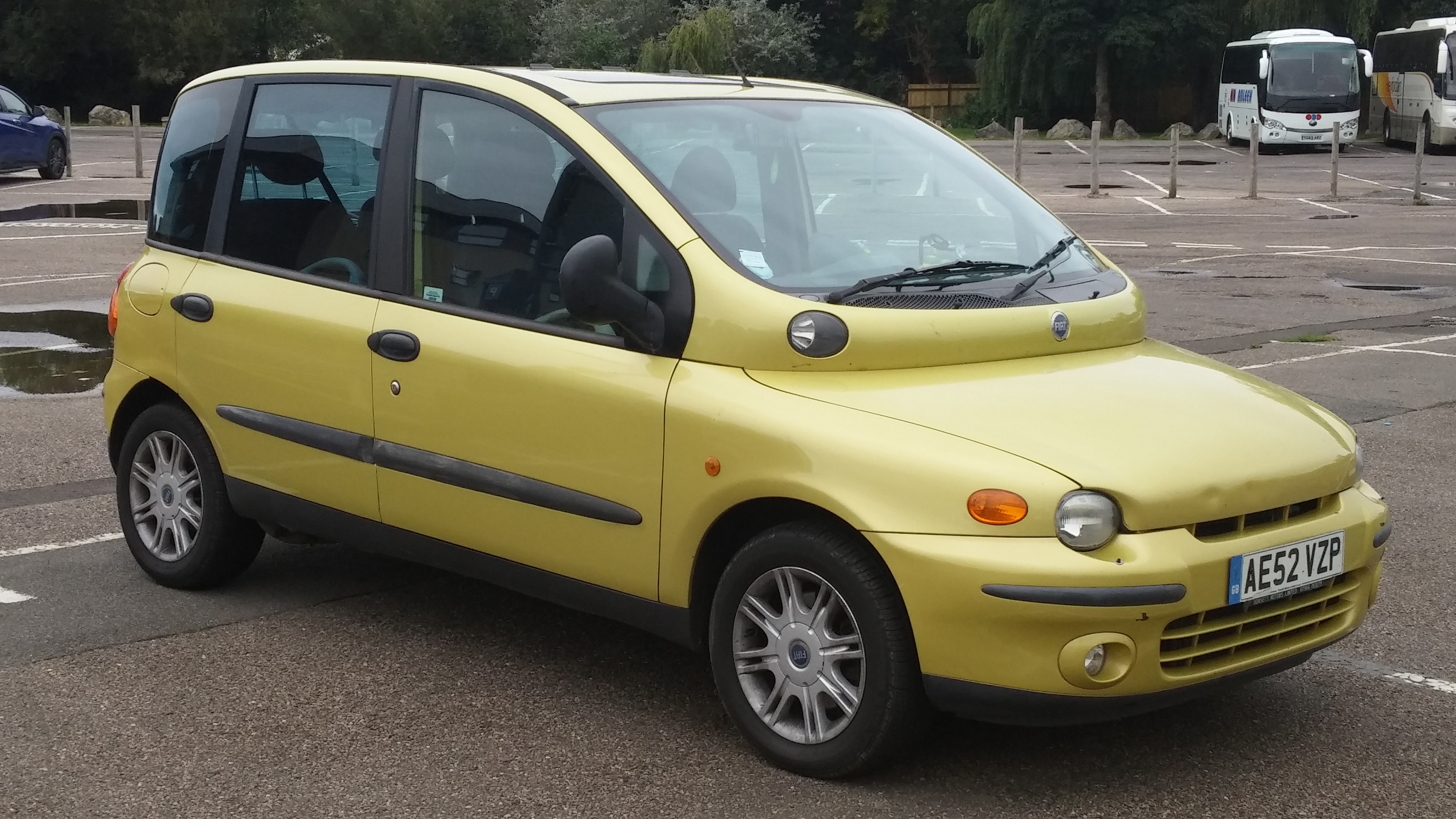Fiat_Multipla_%282002%29_%2829392161886%29.jpg
