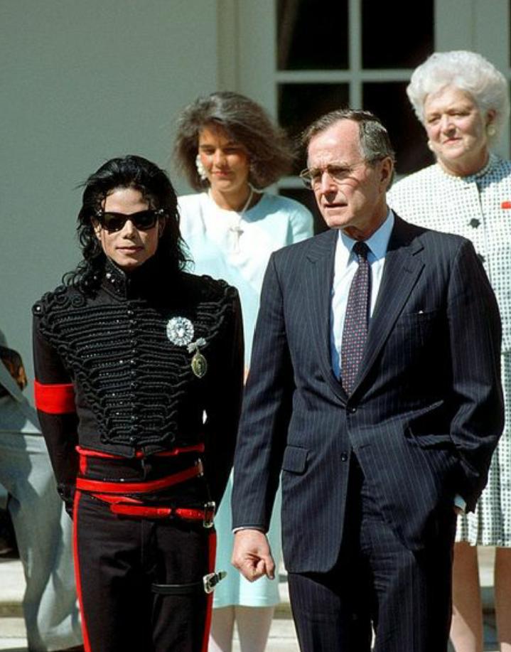 Jackson en la Casa Blanca con el presidente George H. W. Bush, 1990.