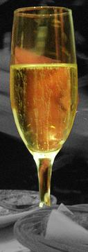 Fil:Glass of Cava.jpg