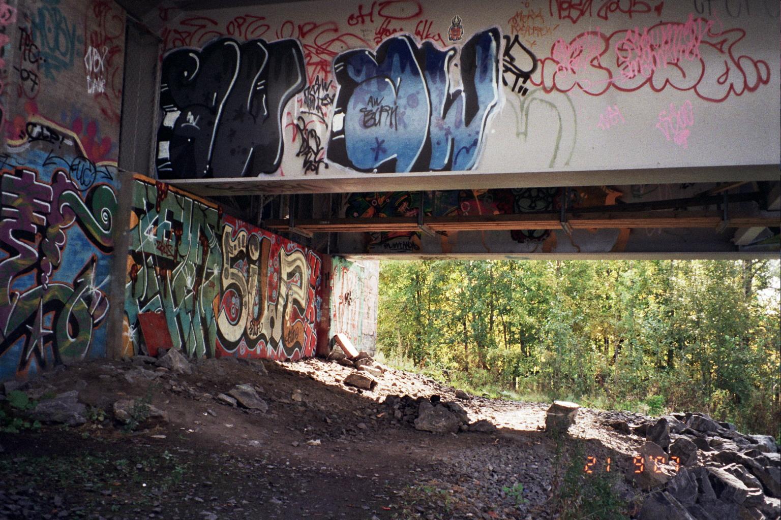 Under the bridge release date