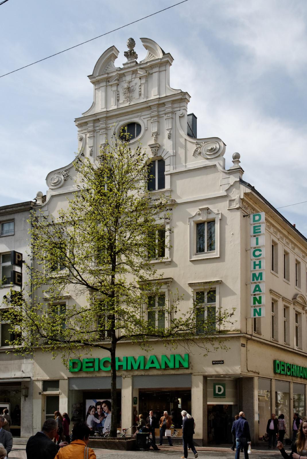 datei haus mittelstrasse 1a in duesseldorf altstadt von wikipedia. Black Bedroom Furniture Sets. Home Design Ideas