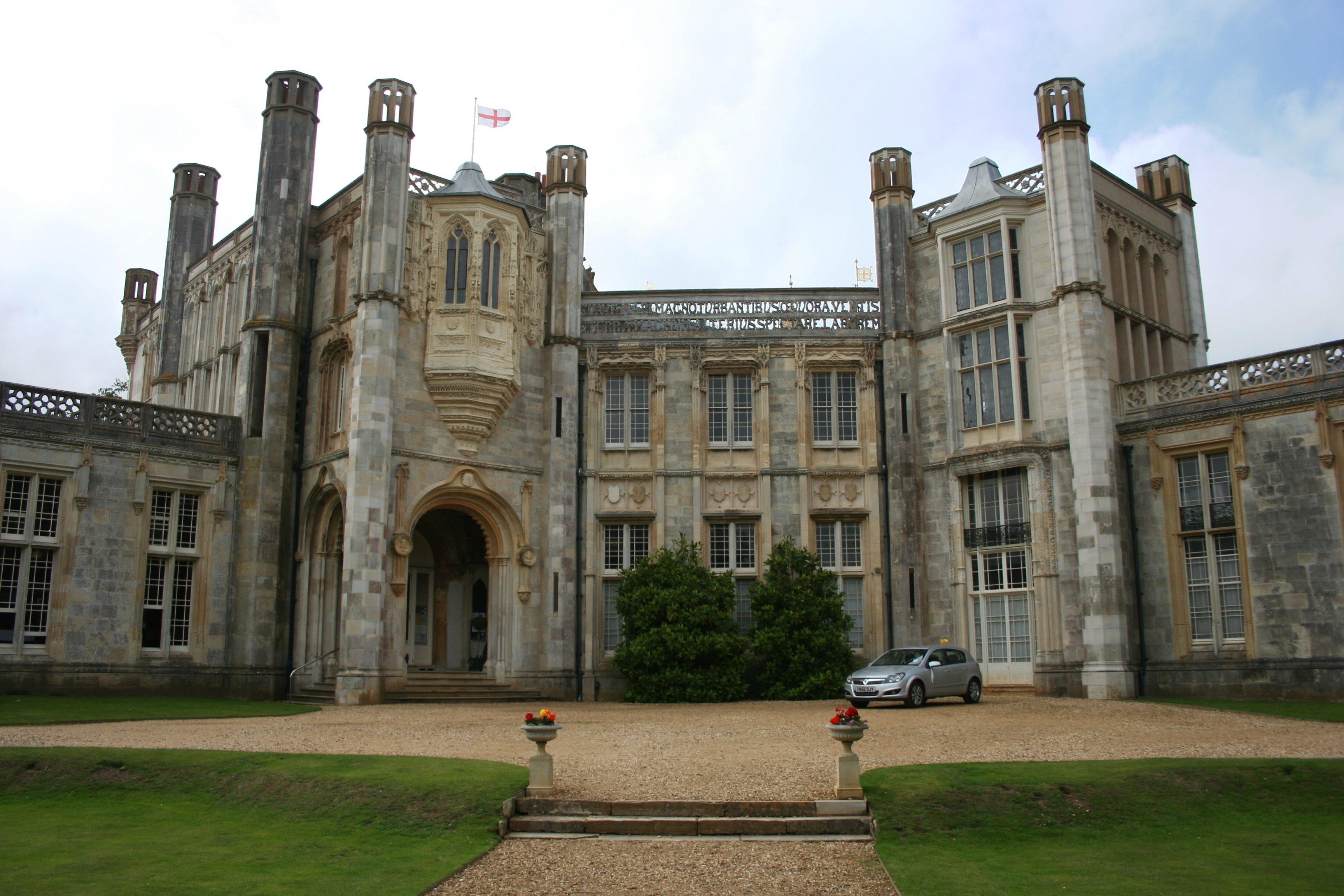 File:Highcliffe Castle 4.jpg - Wikimedia Commons
