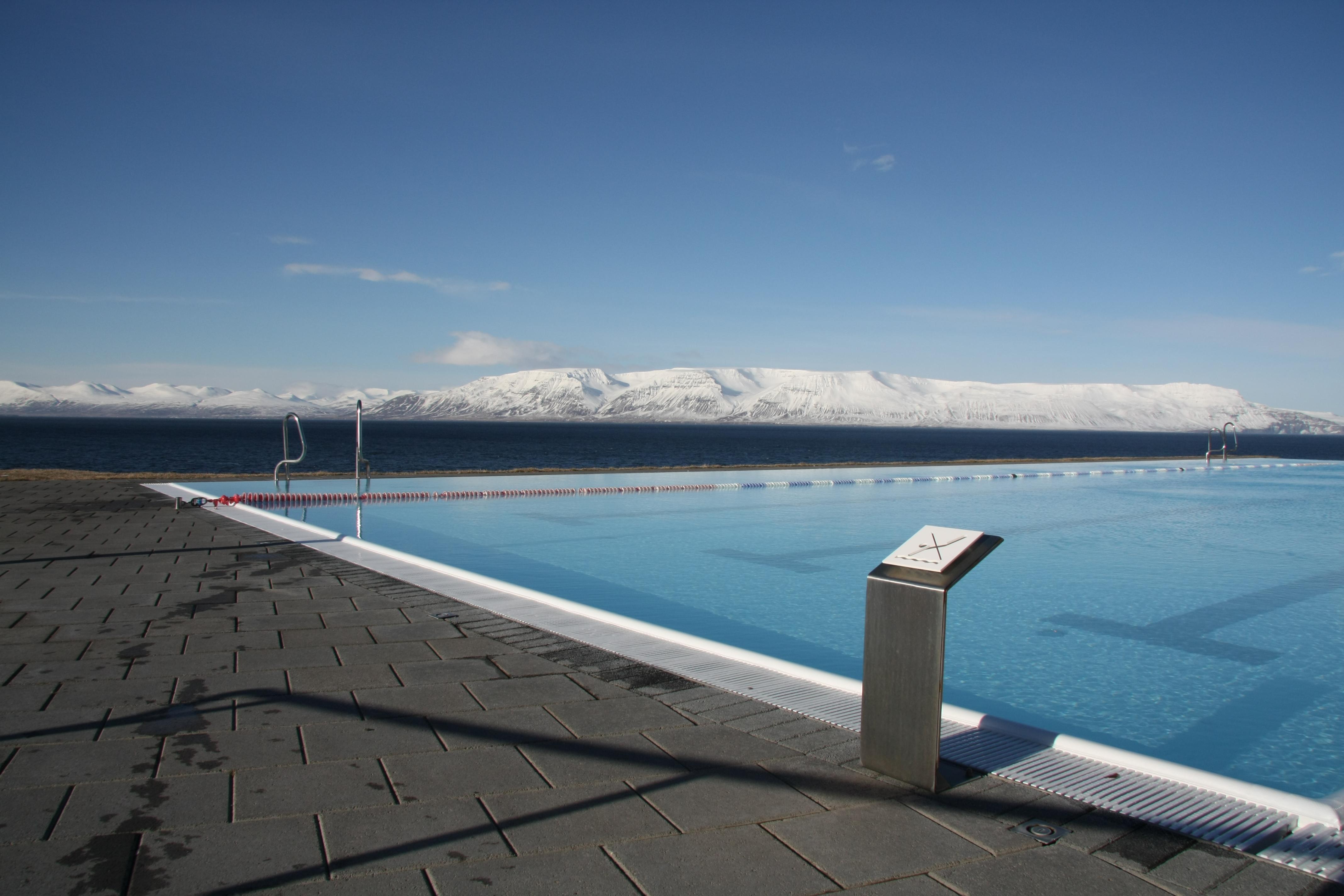 File Hofsos Swimming Pool Jpg Wikimedia Commons