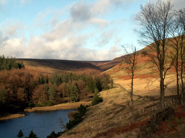 Howden Dam from Cold Side - geograph.org.uk - 370893