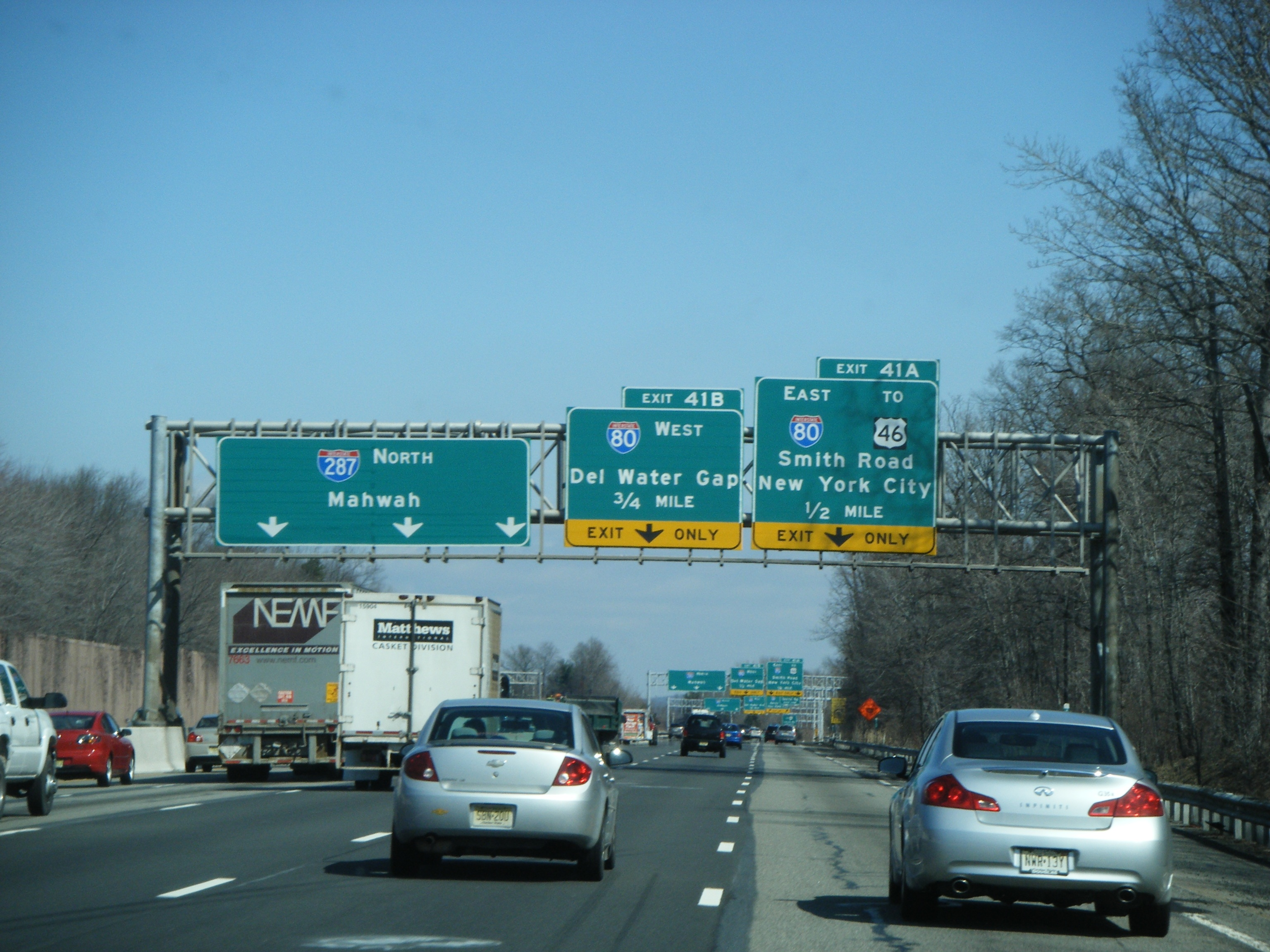 File:I-287 NB 0.5 miles to I-80.jpg