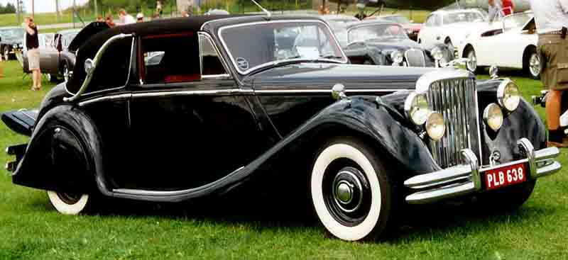 http://upload.wikimedia.org/wikipedia/commons/c/c3/Jaguar_Drophead_Coupe.jpg