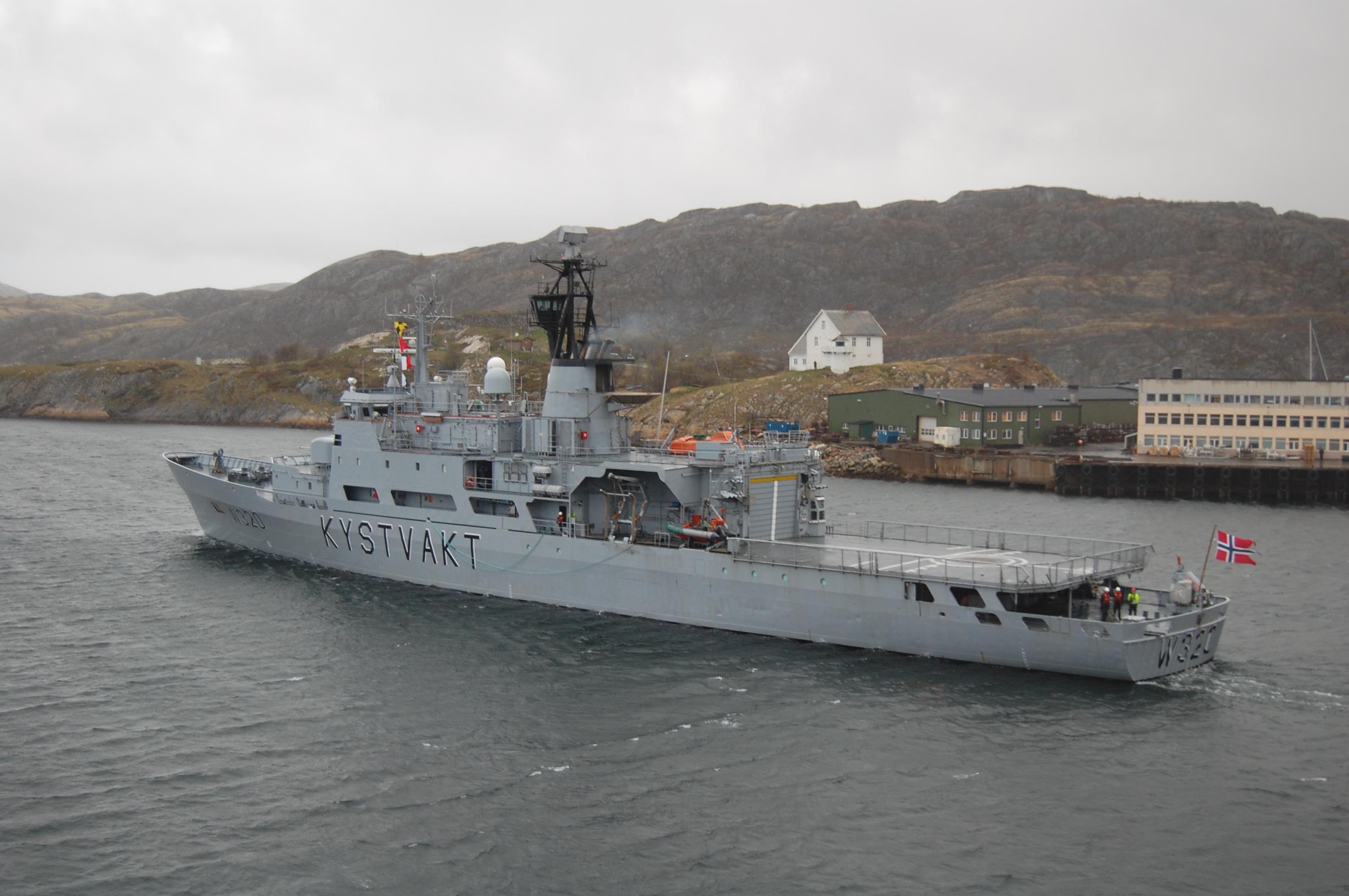 File:KV Nordkapp in Bodø 3.JPG - Wikimedia Commons