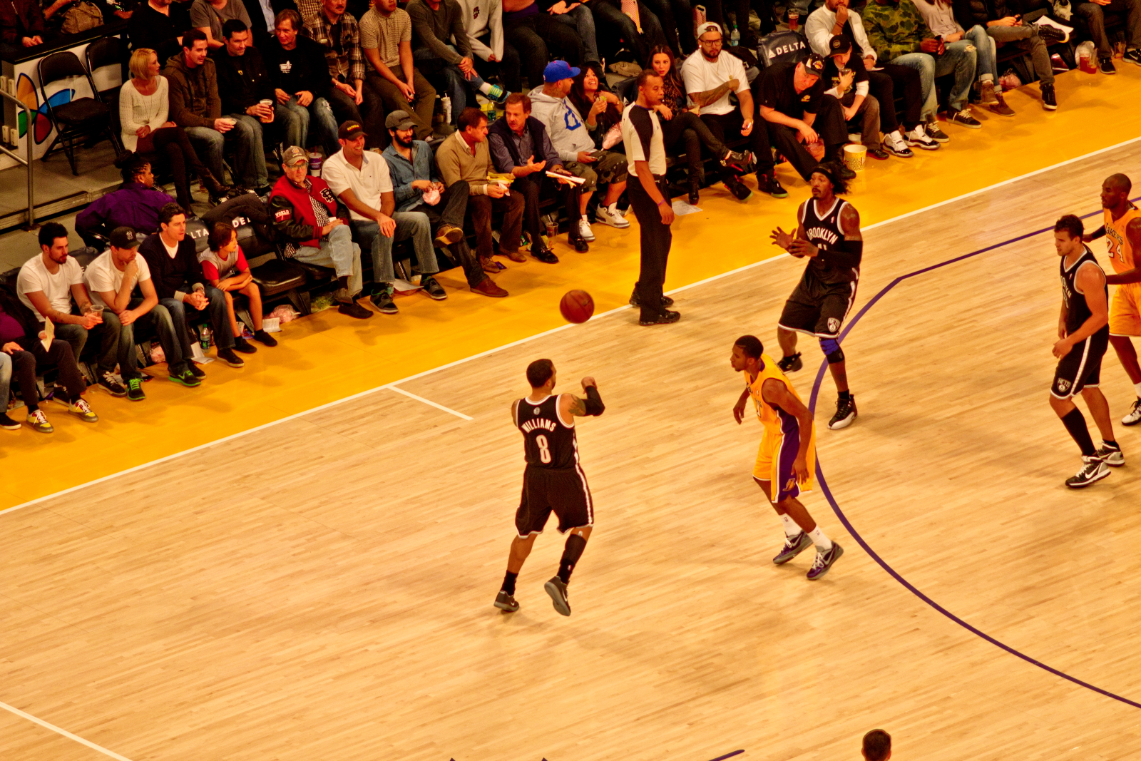 Image result for Brooklyn Nets vs Los Angeles Lakers