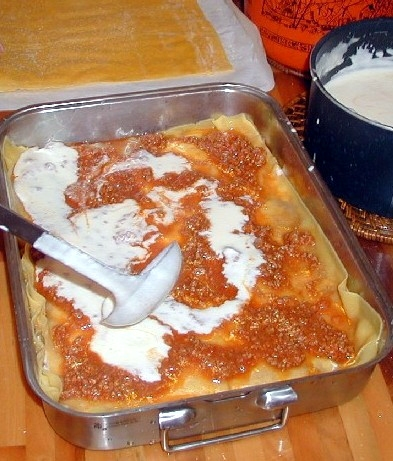 http://upload.wikimedia.org/wikipedia/commons/c/c3/Lasagne.jpg