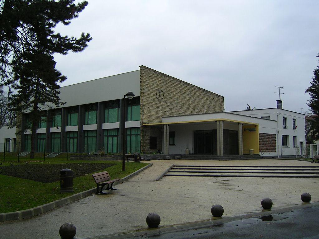 Cmp Livry Gargan à fichier:livry gargan ancienne piscine salle des fetes — wikipédia