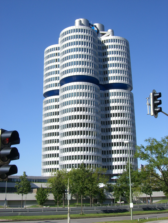 Bmw Museum Munich >> File:München - BMW-Hauptverwaltung.jpg - Wikimedia Commons