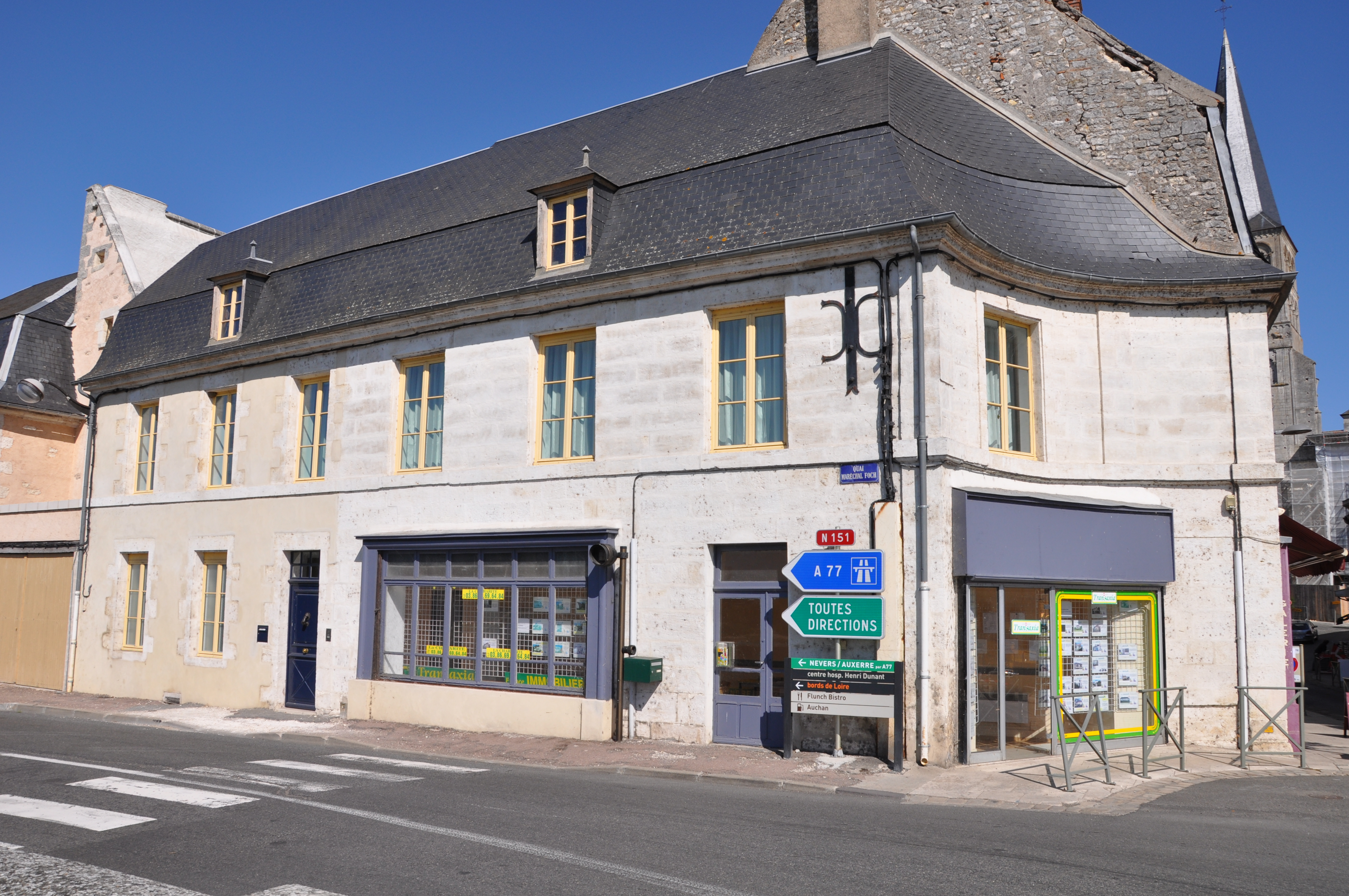 FileMaison, 2 quai MaréchalFoch, La Charité sur Loire 02JPG  Wikimedia Co