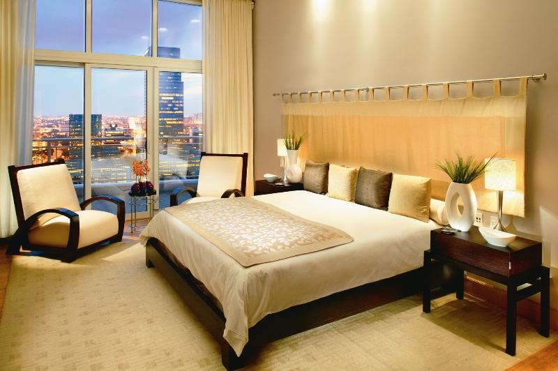 File:Mandarin Oriental Miami Oriental Suite bedroom.jpg ...