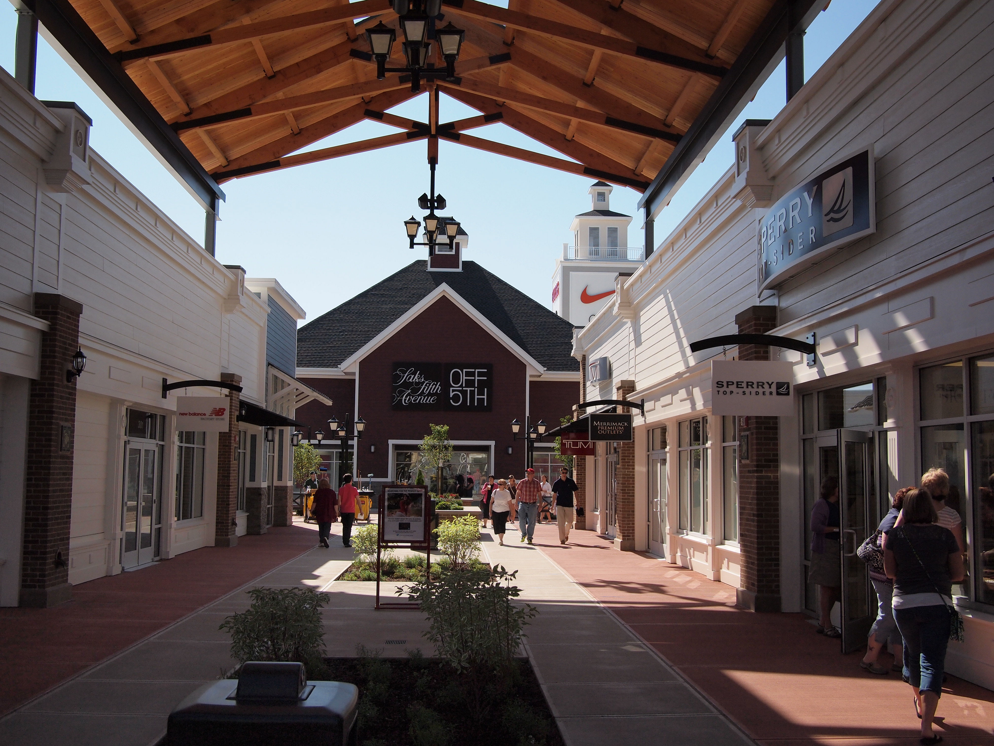 Miromar Outlets Store That Sell Oofos Shoes