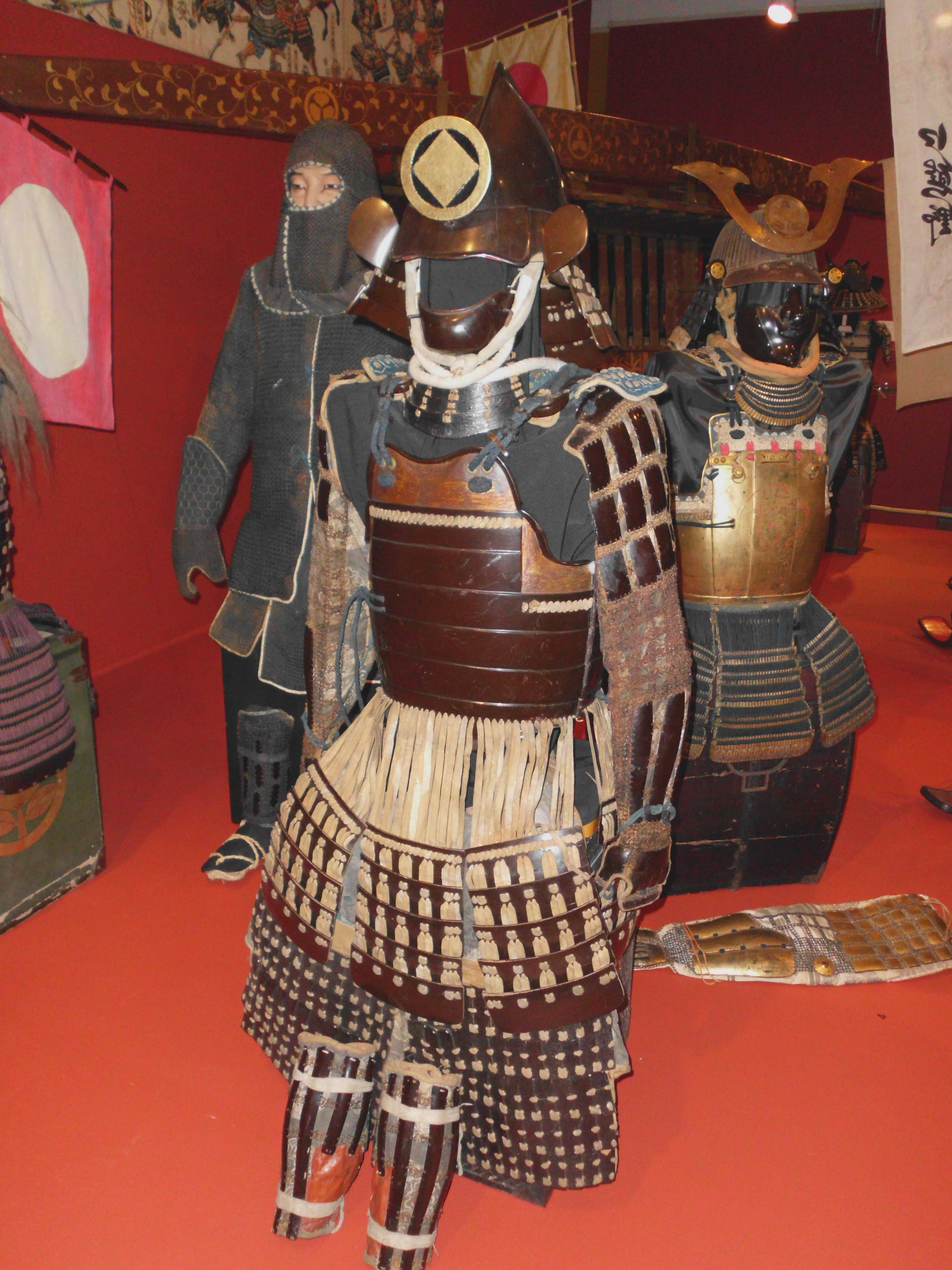Japanese Samurai Armor Book 19 Kabuto /& Yoroi Armor of Sengoku Era