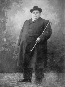 English: Obese man early 20th century
