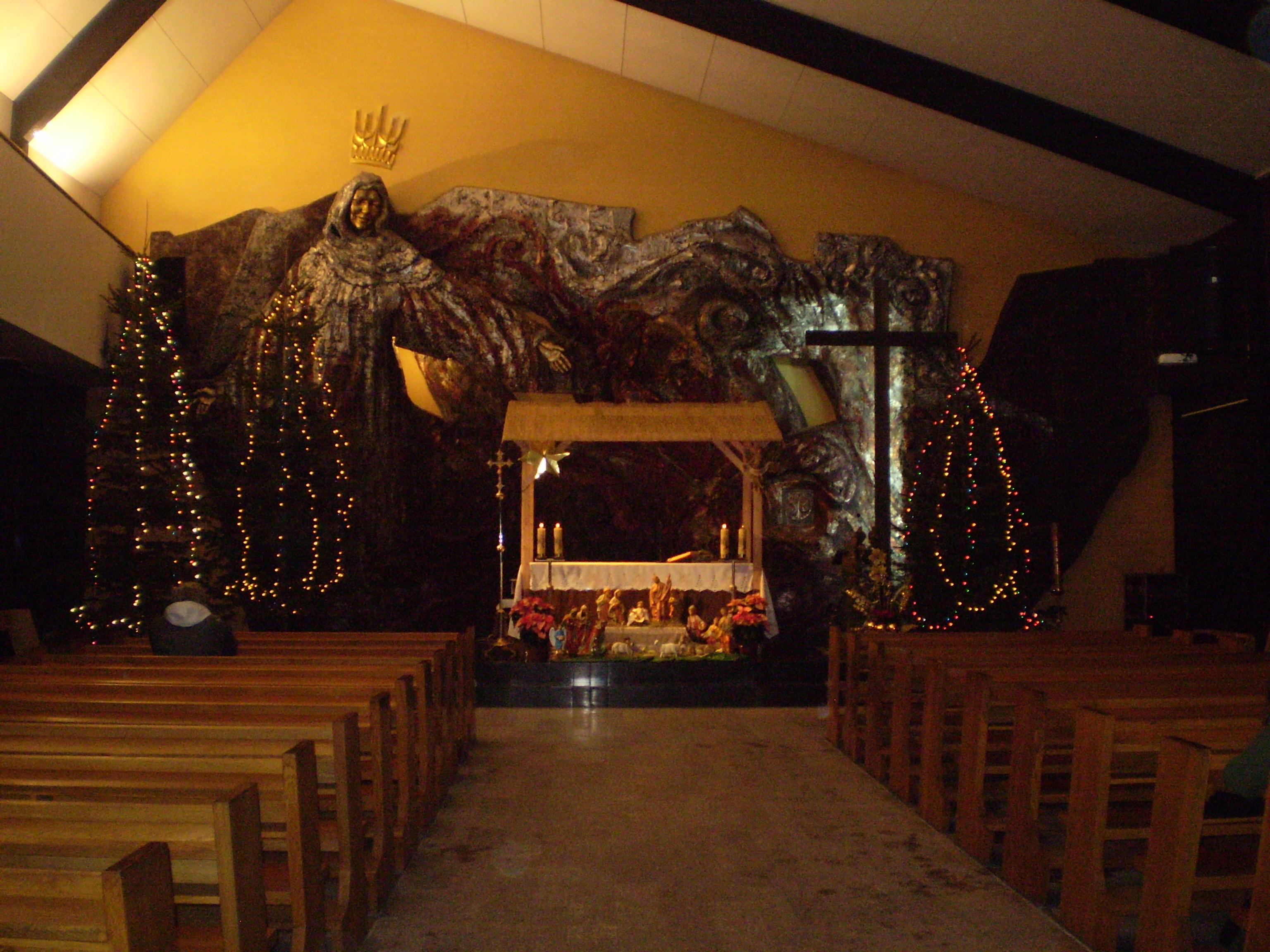 ... Queen of the World; Nativity scenes 2010 - 001.jpg - Wikimedia Commons