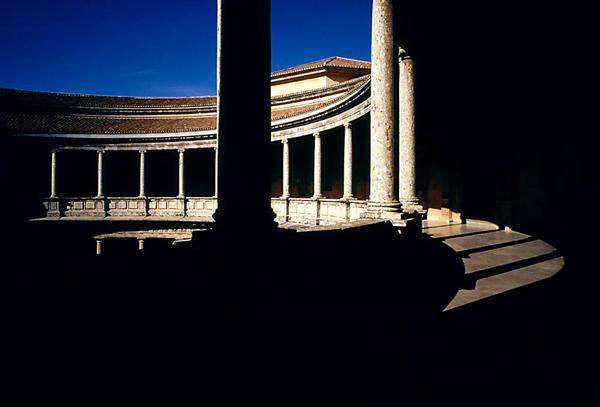 File:PMa E 076 Granada Palacio Carlos V Patio