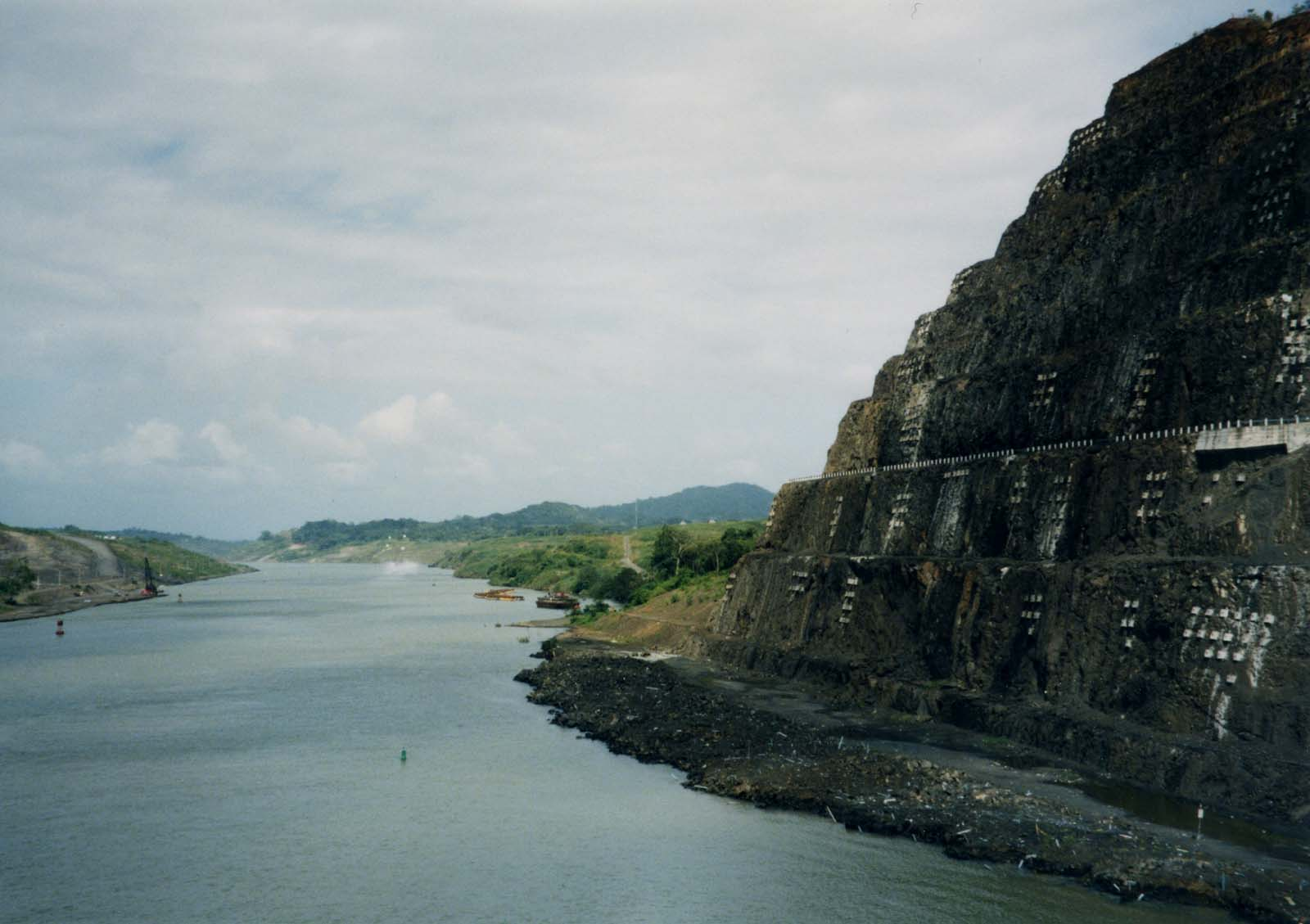 File:Panama Canal Gaillard Cut.jpg - Wikimedia Commons