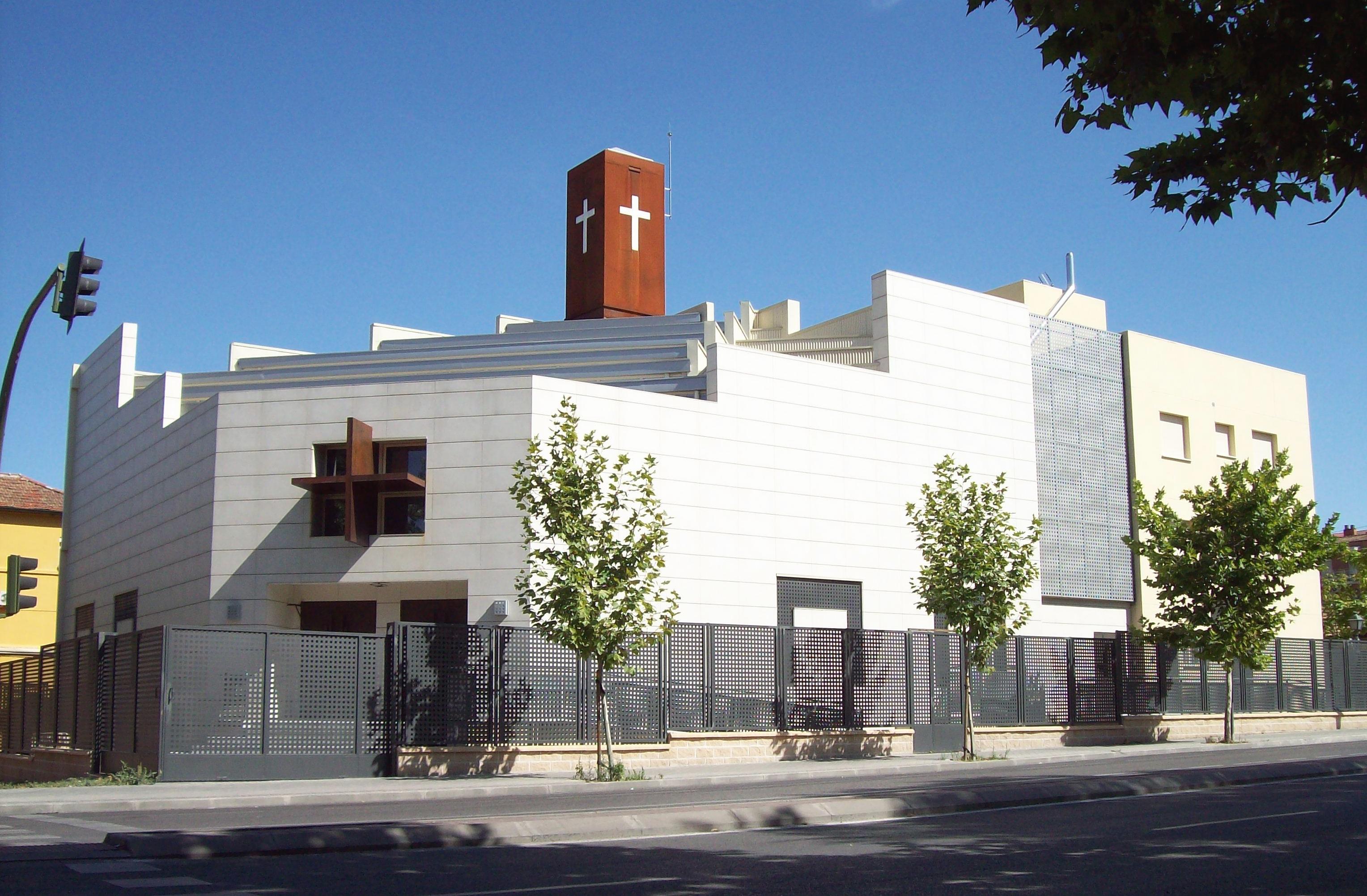 File parroquia de san ferm n usera madrid for Pisos en san fermin madrid