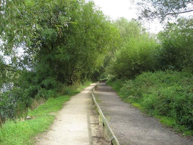 Paths next to Codnor Park Reservoir - geograph.org.uk - 1463257