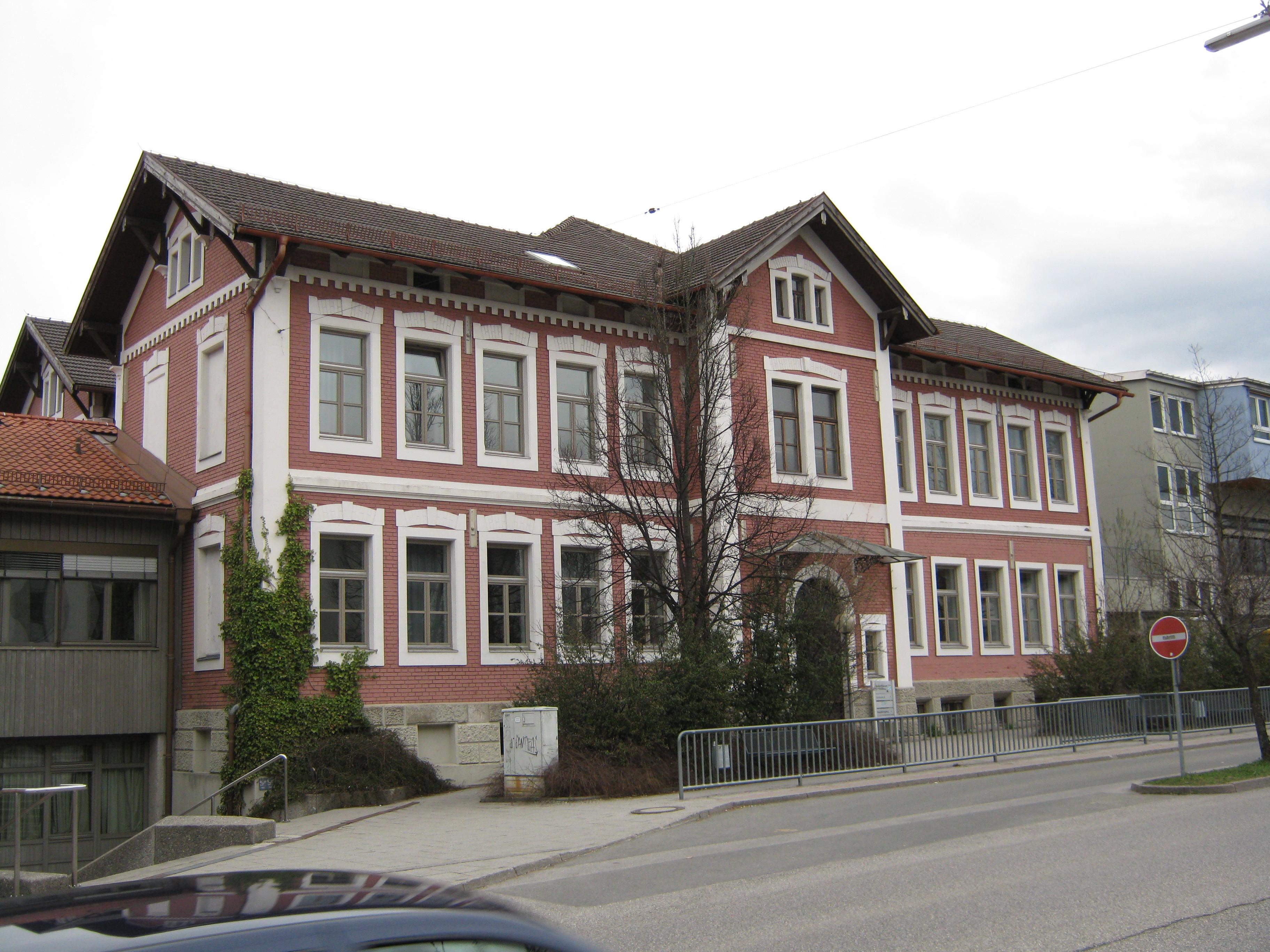 Datei:Penzberg - denkmalgeschützte Häuser - die von der Oberkohle ...