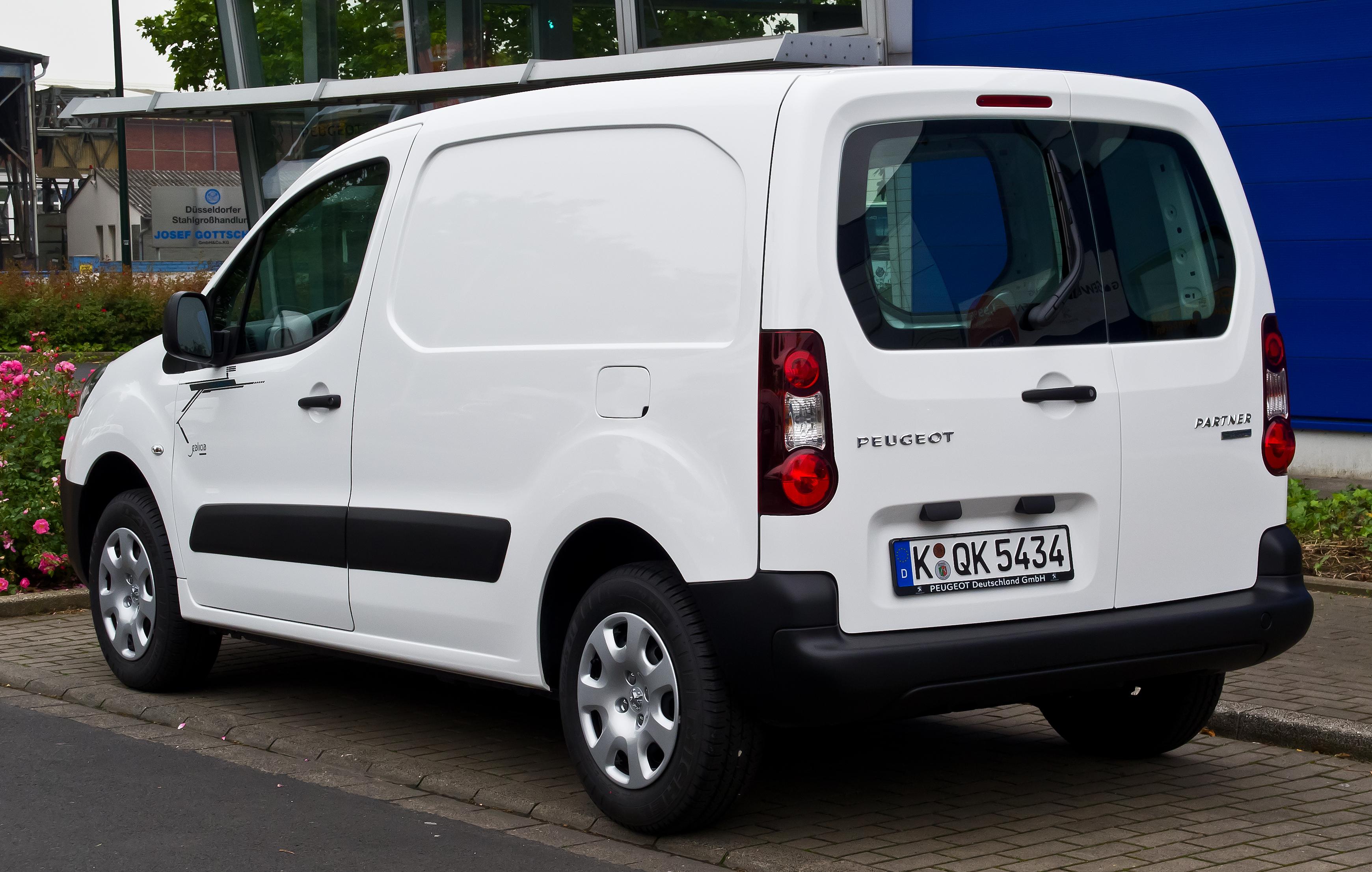 archivo peugeot partner kastenwagen electric ii facelift heckansicht 28 mai 2014. Black Bedroom Furniture Sets. Home Design Ideas