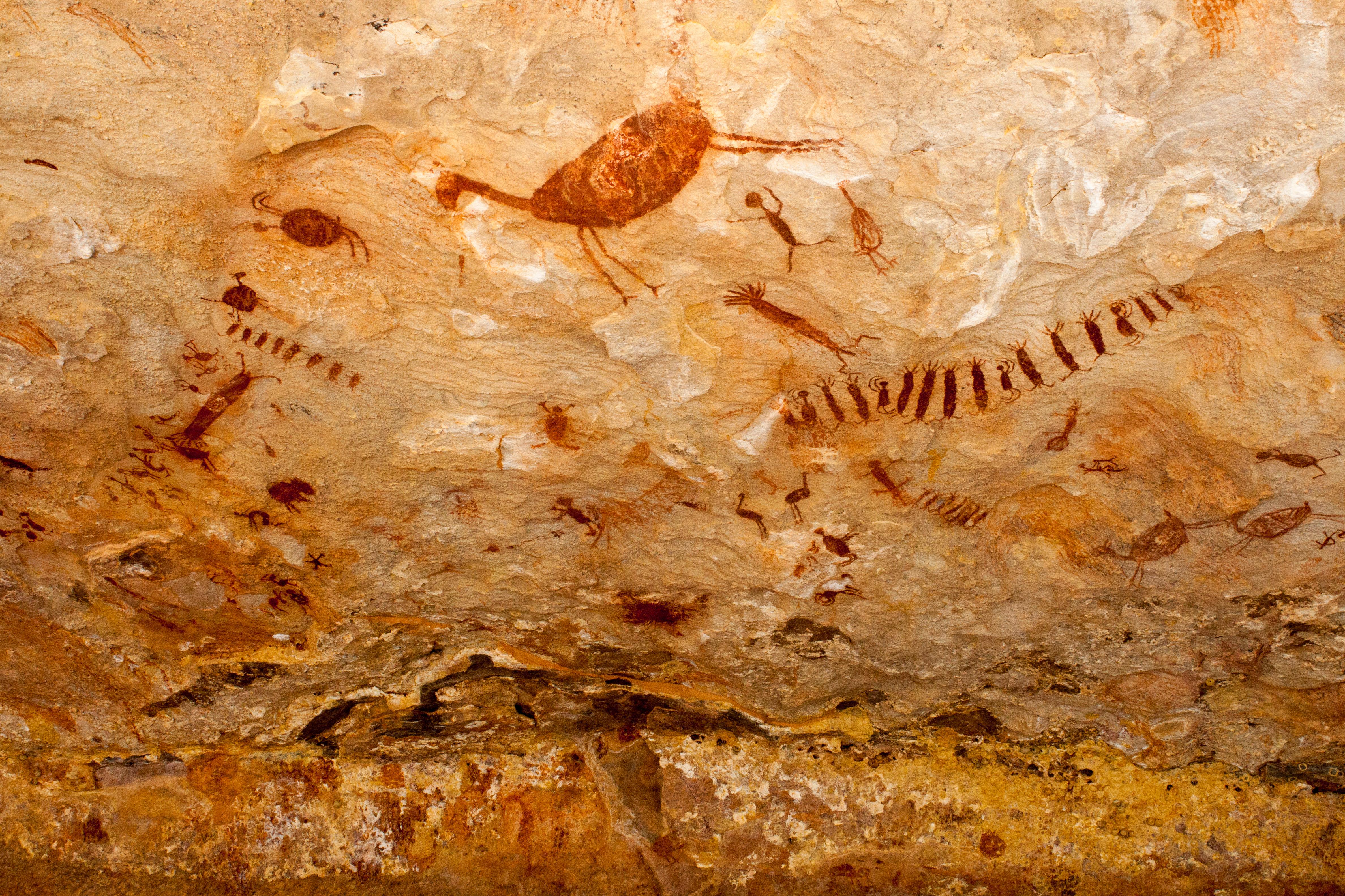 El fuego y la caza como elementos de las pinturas rupestres. | Fuente: Wikipedia.com.