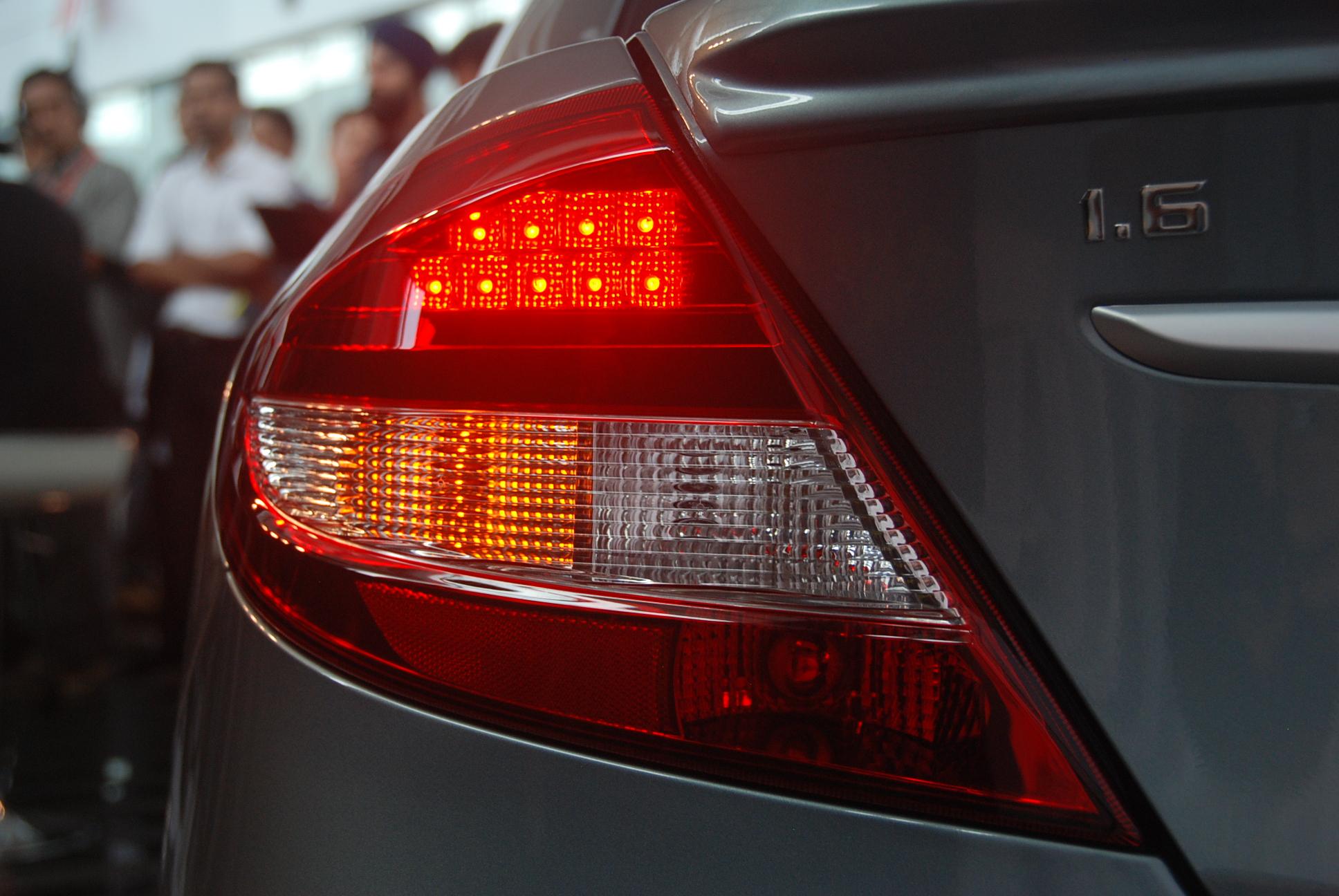 Amazing File:Proton Persona Elegance LED Tail Lamp