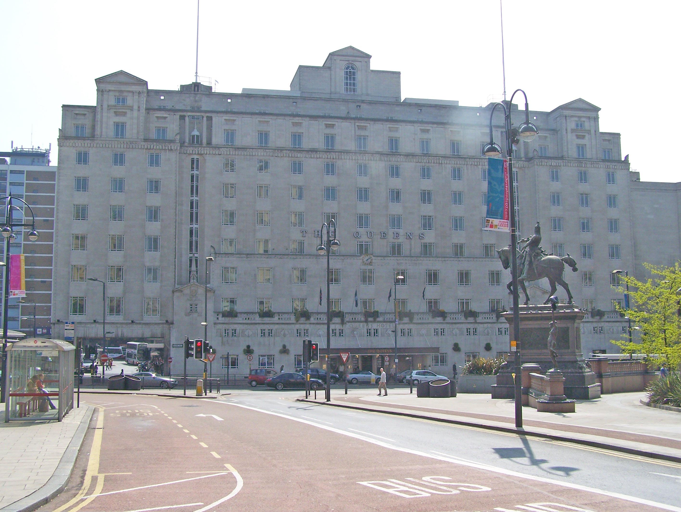Queens Hotel In New York