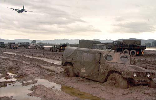 HEMTT M985 Cargo - Page 2 Rinas_Airfield_Hawk_AH-64_Task_force_1999