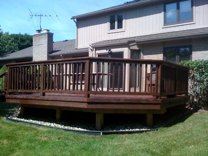 File:Semi solid deck stain.jpg - Wikimedia Commons