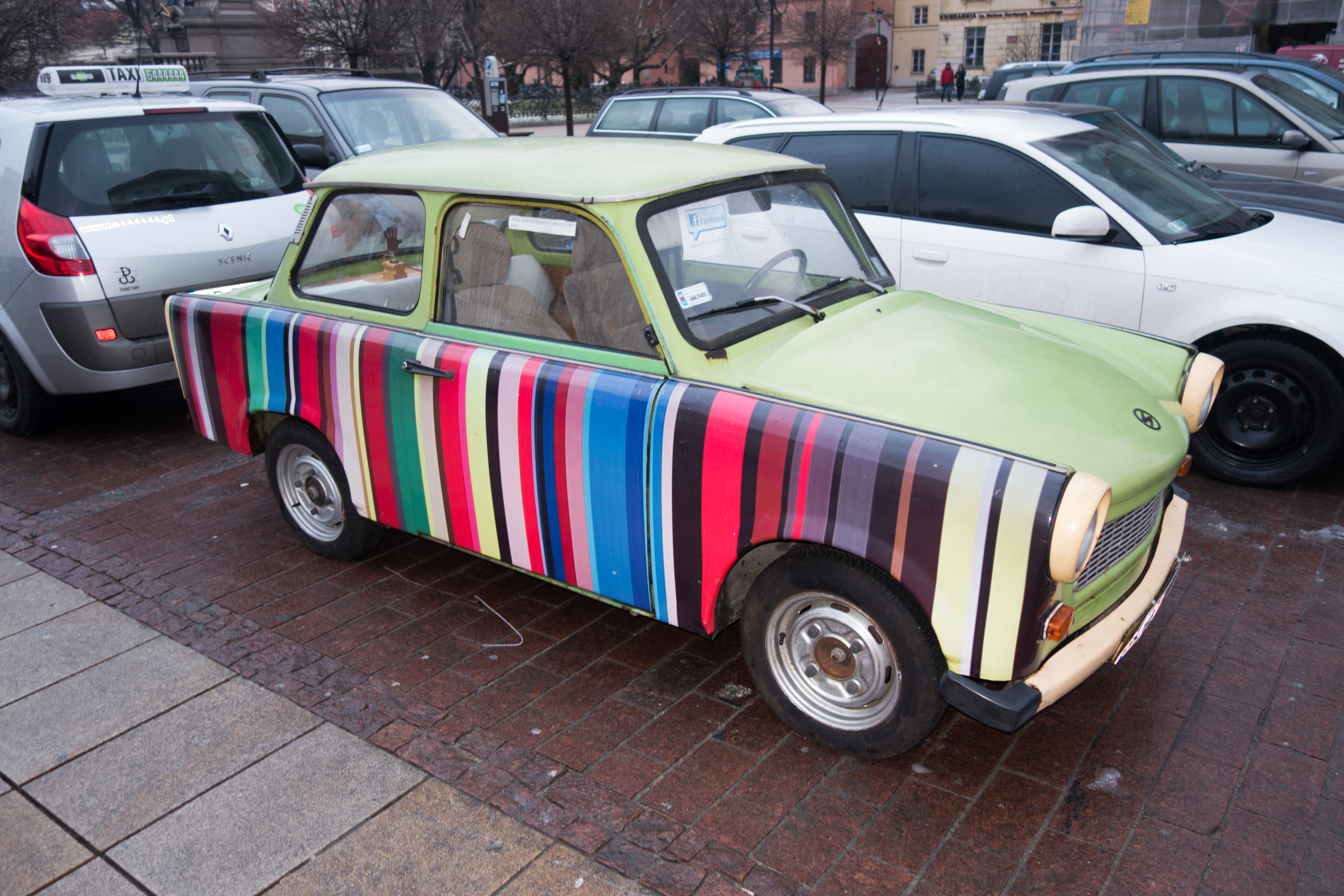 Striped_Trabant_%2817194563216%29.jpg