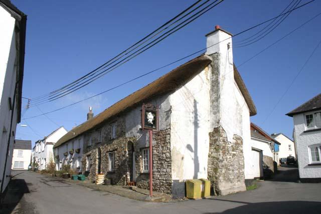 File:The Old George Inn - geograph.org.uk - 338221.jpg