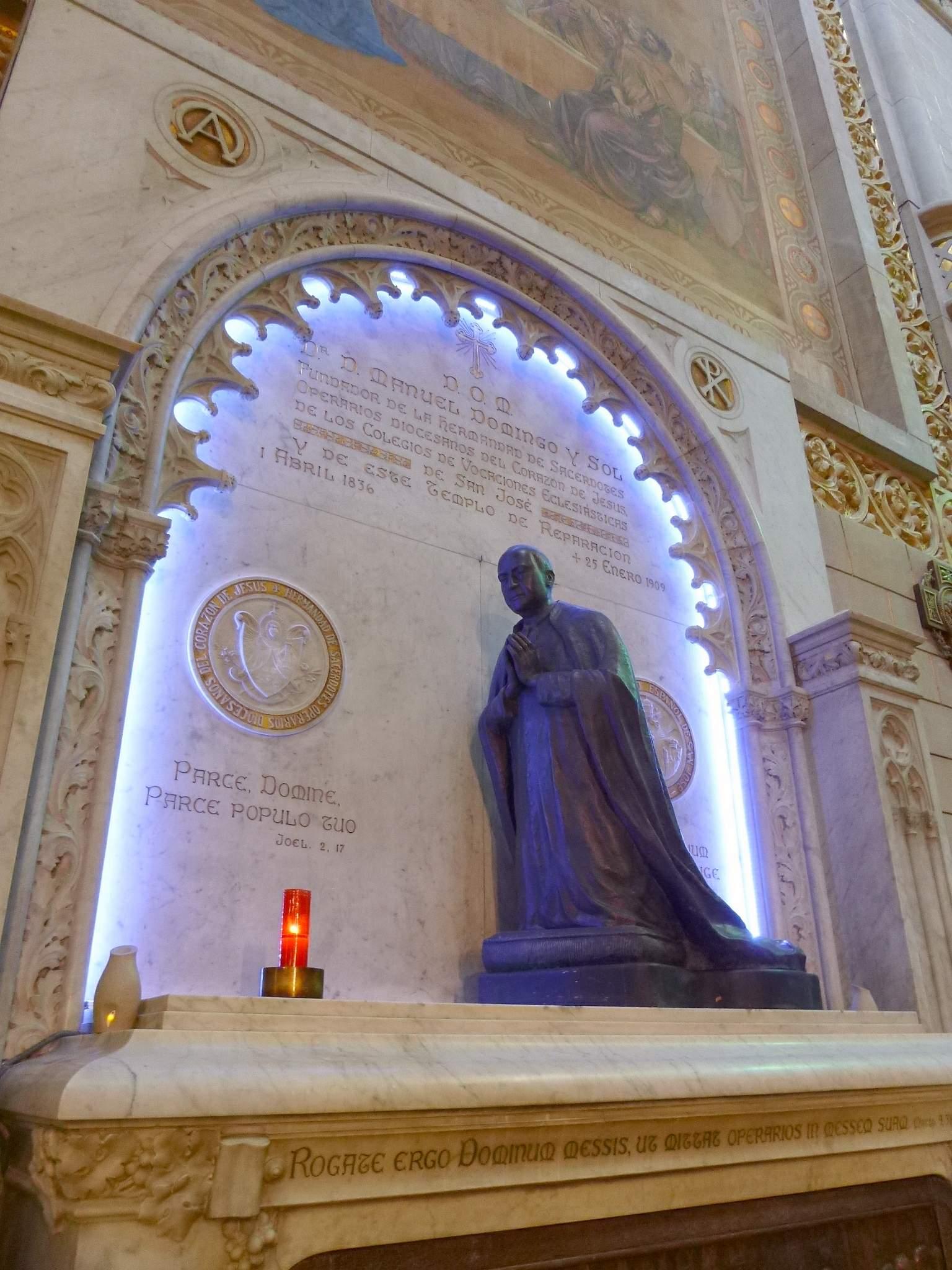 Manuels grav i Templo de la Reparación i Tortosa