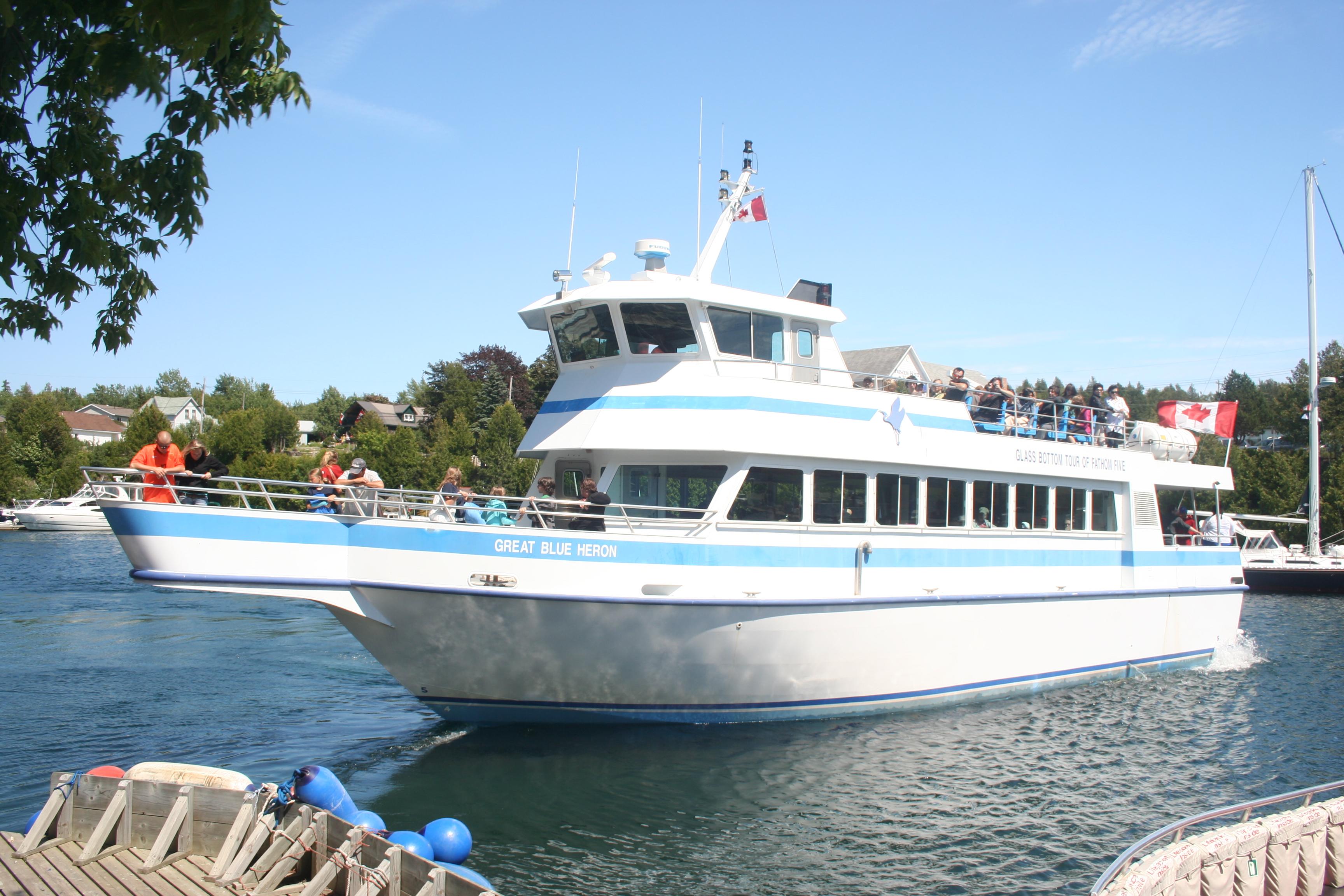 Boats That Tour Gallaogous Islands
