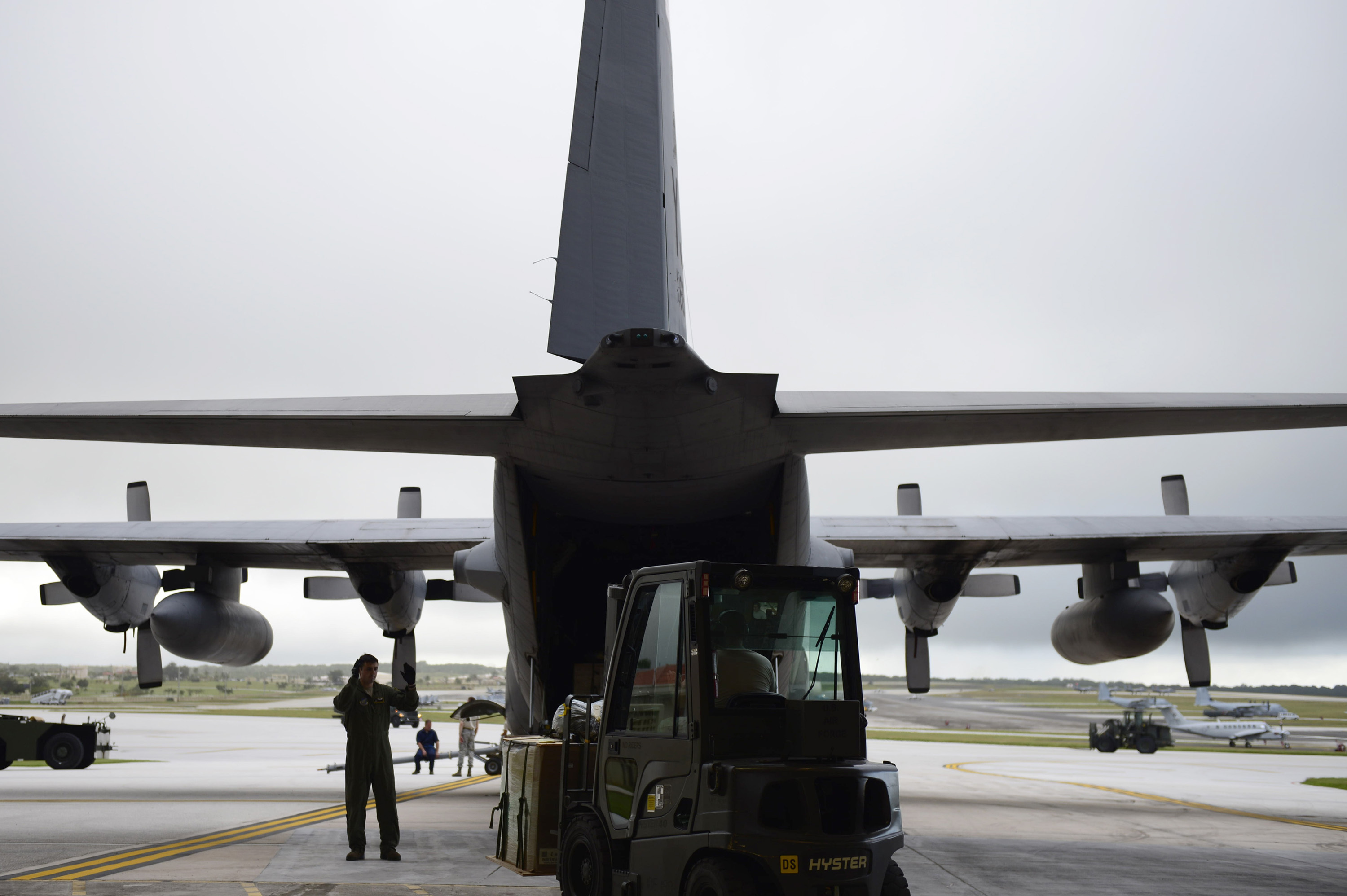 File:us Air Force Staff Sgt Dmitri Sokgobenzon, A Joint Airdrop  Inspector And Loadmaster With The 36th Airlift Squadron, Directs A Forklift  Toward A